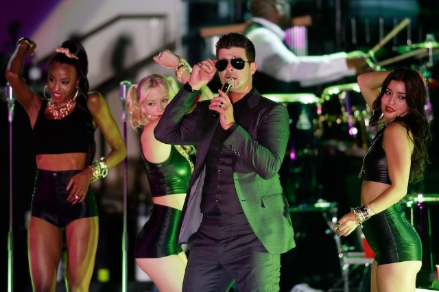 "Robin Thicke, ""Blurred Lines,"" Marvin Gaye, family, settlement, rejected, six figures"