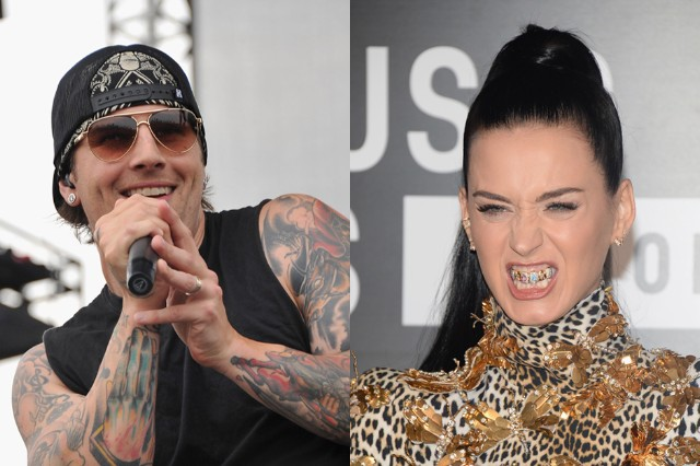Avenged Sevenfold Hail King Katy Perry Roar Billboard Chart