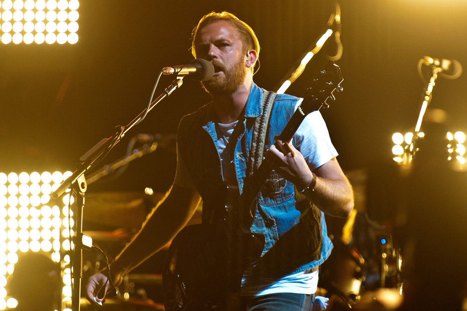 King of Pop 2014 Kings of Leon Icona Pop