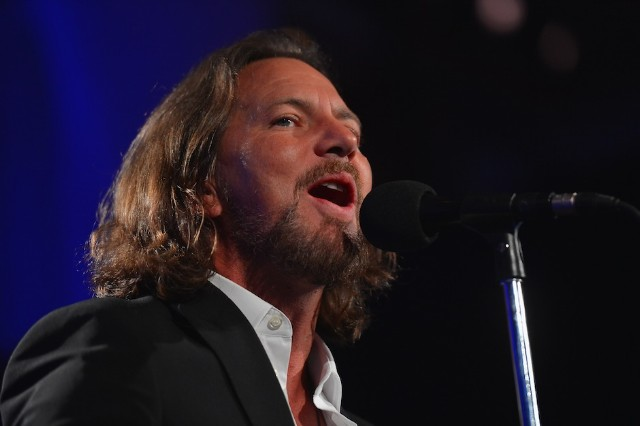Eddie Vedder, MTV Video Music Awards, VMA, Pearl Jam