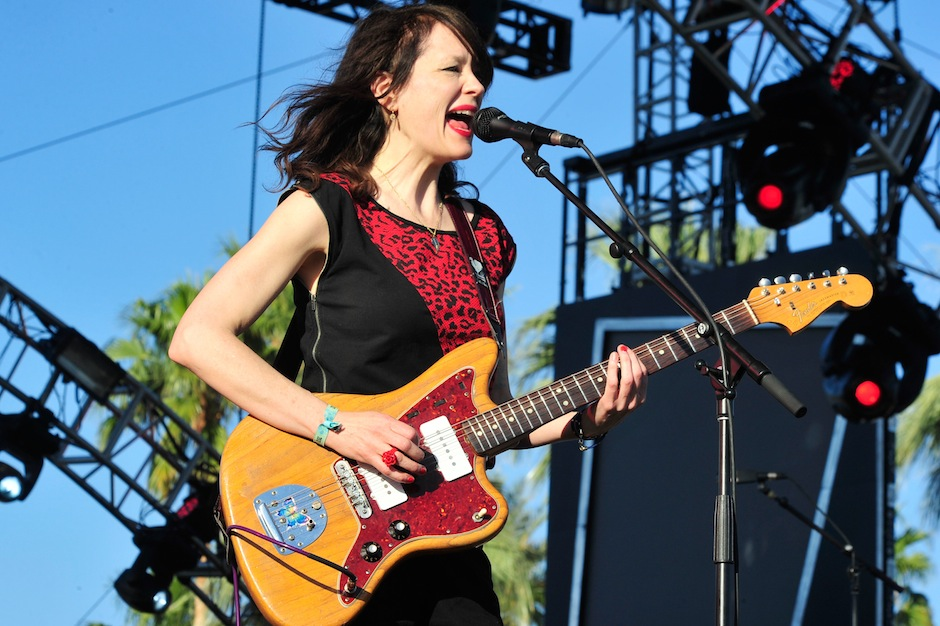 """Mary Timony, Ex Hex, """"Hot and Cold,"""" new band, stream, Wild Flag, Helium"""