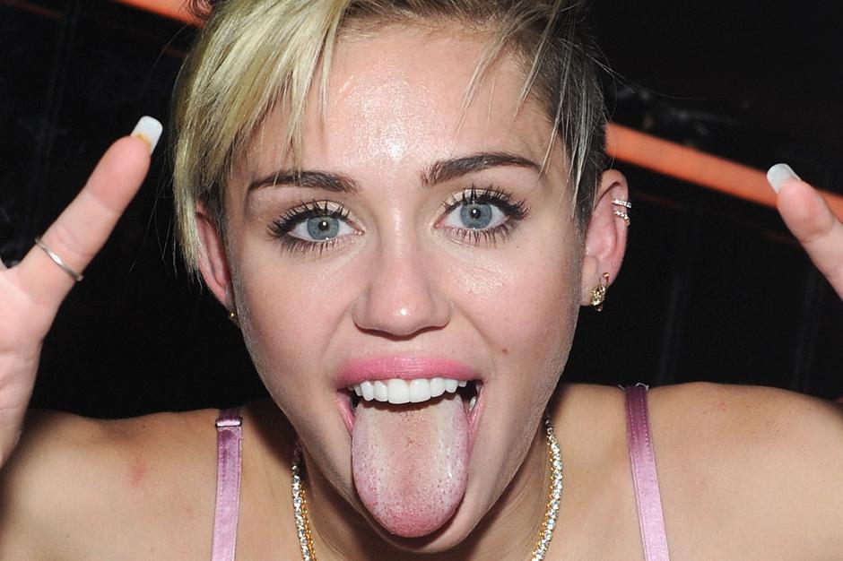 Miley Cyrus Bangers Wrecking Ball Billboard Chart