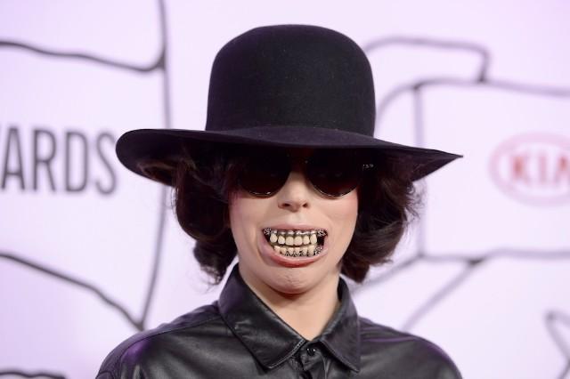 "Lady Gaga, 'Artpop,' ""Dope,"" stream"