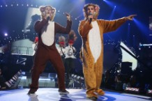 ylvis, the fox, children's book, simon & schuster