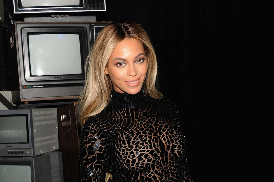 Beyonce Million Sales Self Titled Album Charts