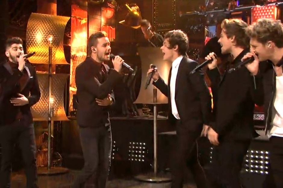 One Direction Sing 'Afternoon Delight' With 'Anchorman 2' Cast on 'Saturday Night Live'