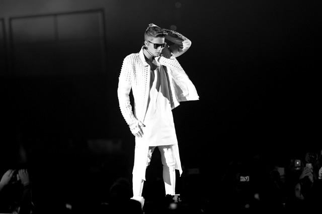 Justin Bieber Chance Rapper 'Confident' Vic Mensa Suitcase