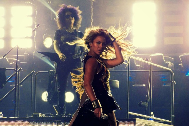 Beyoncé at the United Center, Chicago, December 13, 2013 / Photo by Joshua Mellin