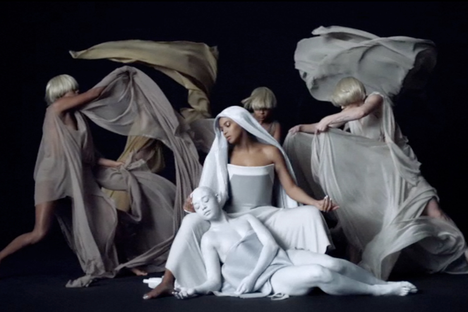 beyonce is a goddess in drakeassisted �mine� video spin
