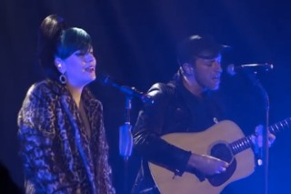 Watch Coldplay's Chris Martin Backup Lily Allen on 'The Fear'