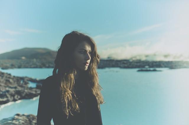 """Farao, Kari Jahnsen, """"The Hours,"""" debut EP, stream, Tunng"""