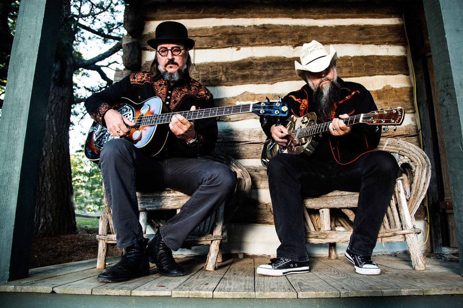 les claypool, duo de twang, man in the box