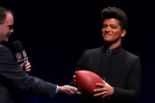 Super Bowl XLVIII Music Bruno Mars, RHCP, Queen Latifah, Muppets, Beats