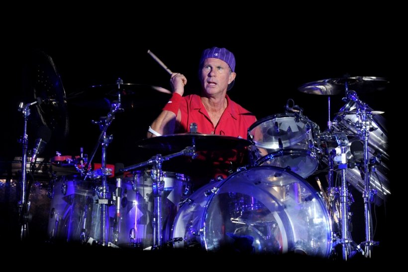 chad smith, red hot chili peppers, will ferrell, drum battle, cancer for college