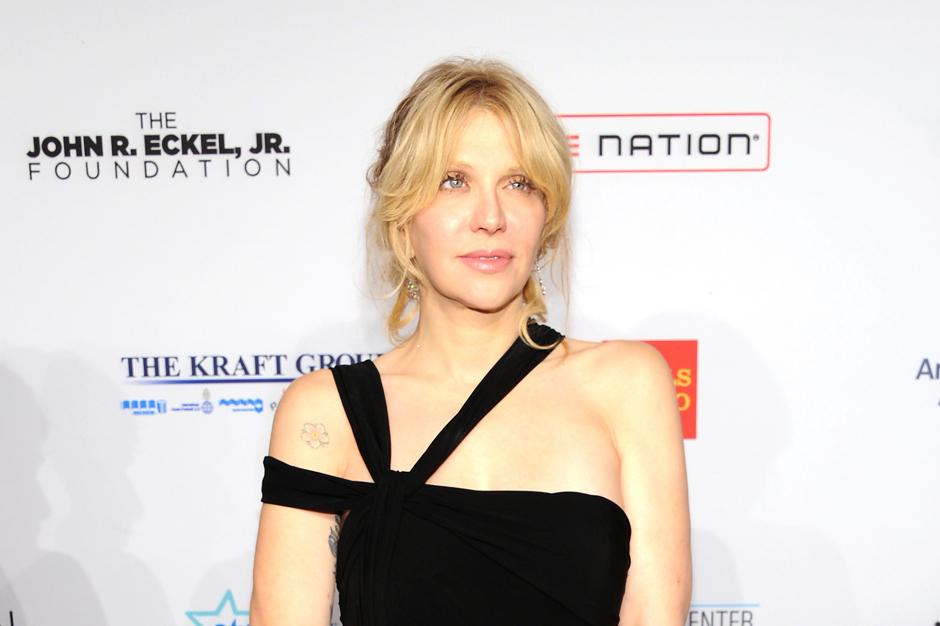 Courtney Love Dawn Simorangkir Libel Lawsuit Howard Stern