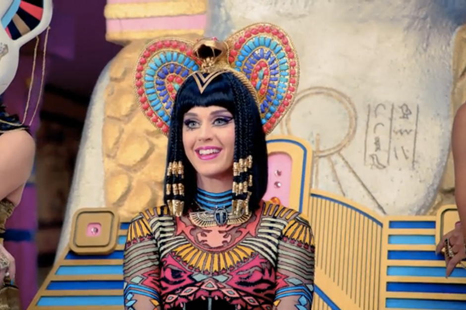 140220-katy-perry-dark-horse-video jpgKaty Perry Dark Horse Egyptian Costume