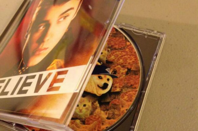 Paz Albums Justin Bieber Believe CDs  April Fools