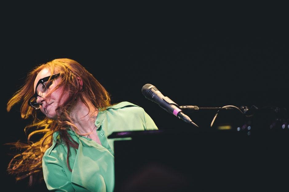 Tori Amos '16 Shades of Blue' Stream Unrepentant Geraldines