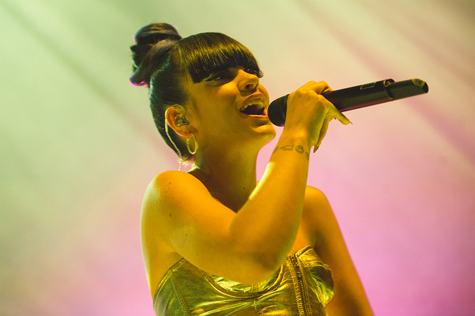 Lily Allen's 'Sheezus' Is a Tepid Mess of Bitch Bombs and Botched Satire