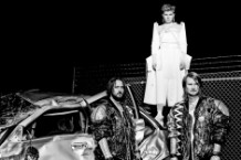 Röyksopp & Robyn Revel in Dance-Pop Excess on 'Do It Again'