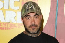 Staind Aaron Lewis Crowd Surfer Rant Video Fan Girl