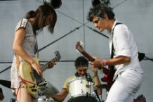 Blonde Redhead Barragan No More Honey Stream