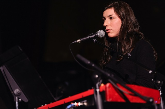 Julia Holter Dionne Warwick Dont Make Me Over Single Cover Stream