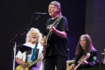 neil young cancel tel aviv israel show