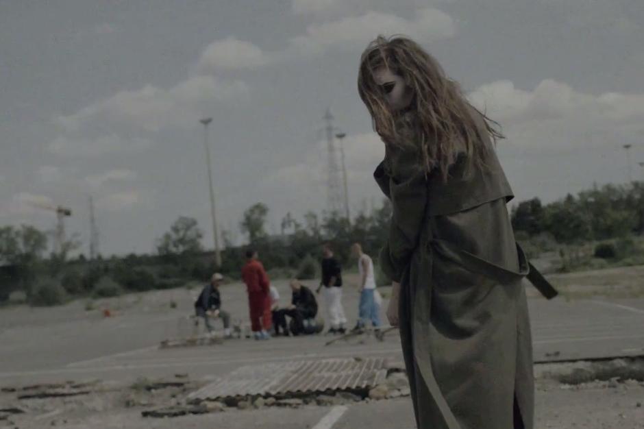 Lykke Li Twitches Through Twerkers in Surreal 'Gunshot ...