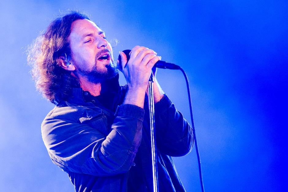 Eddie Vedder Responds to Anti-War Controversey