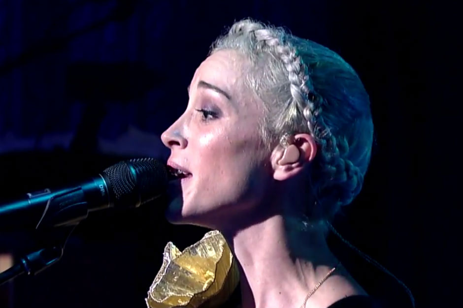 St. Vincent Struts Robotically Through 'Bring Me Your Loves' on ...
