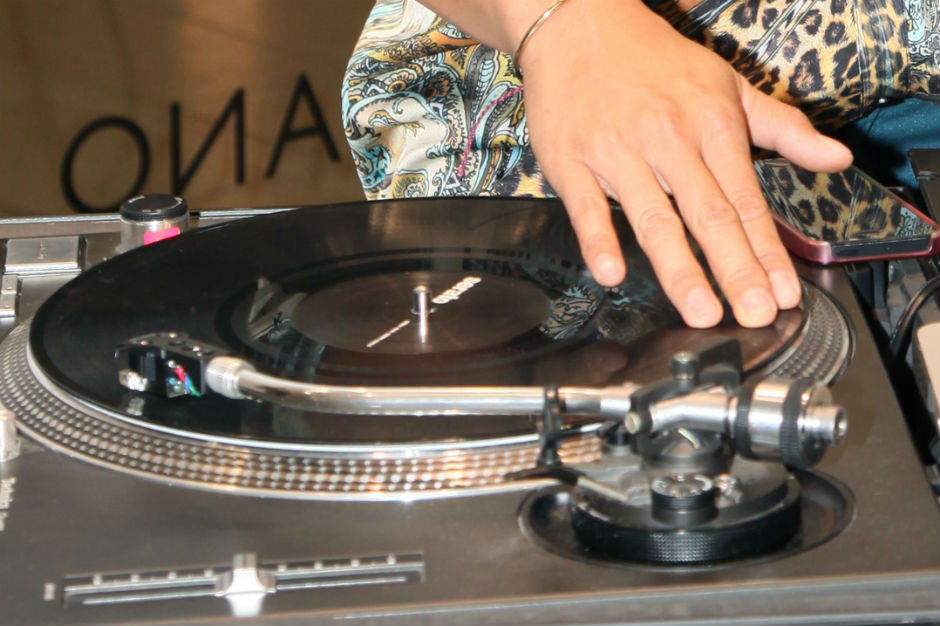 Music Piracy Cut Off Fingers Nigerian Singer Stella Monye