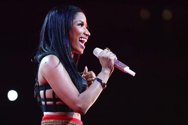 Nicki Minaj Anaconda Snake Bite VMA Rehearsal