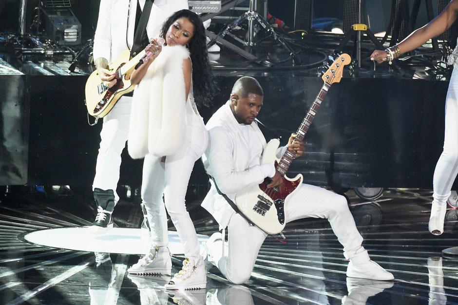 Best: Usher Headbutting That Ass