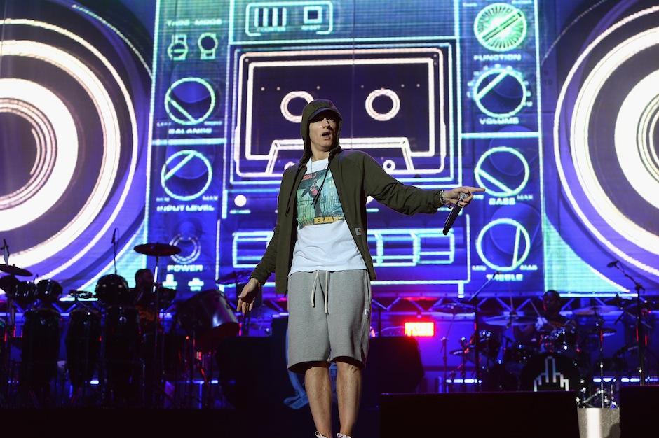 Eminem Sia Guts Over Fear Shady XV Stream