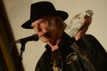 Neil Young Pegi Young Divorce