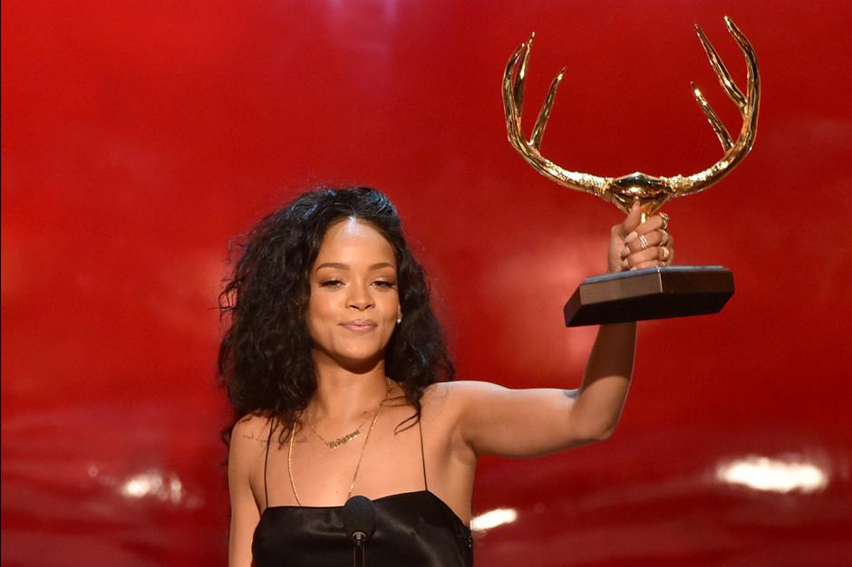 Rihanna CBS NFL Ravens Ray Rice Dropped Thursday Night Football