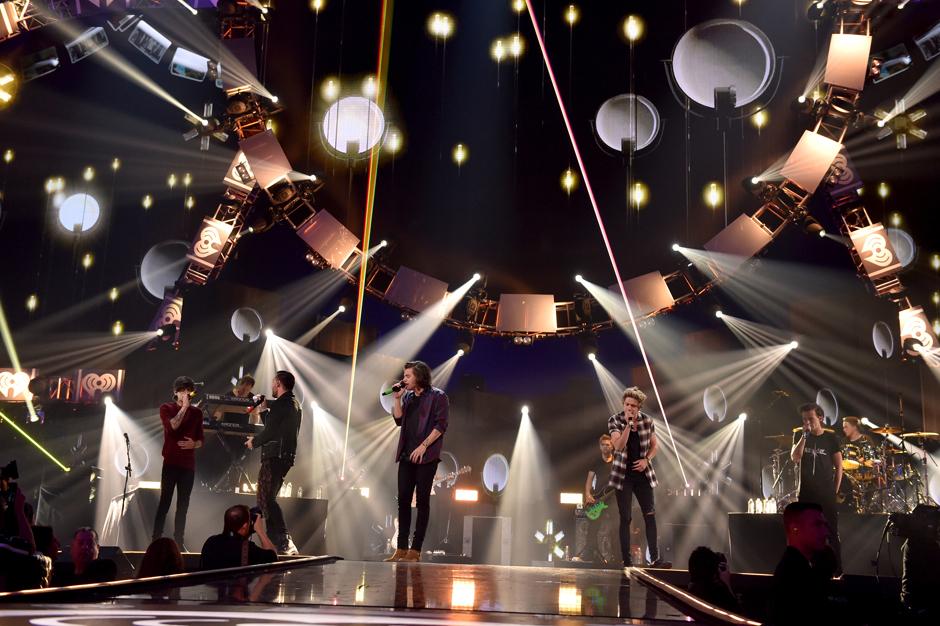 One Direction The Daily Show Jon Stewart Jessica Williams Zayn Twitter Drama
