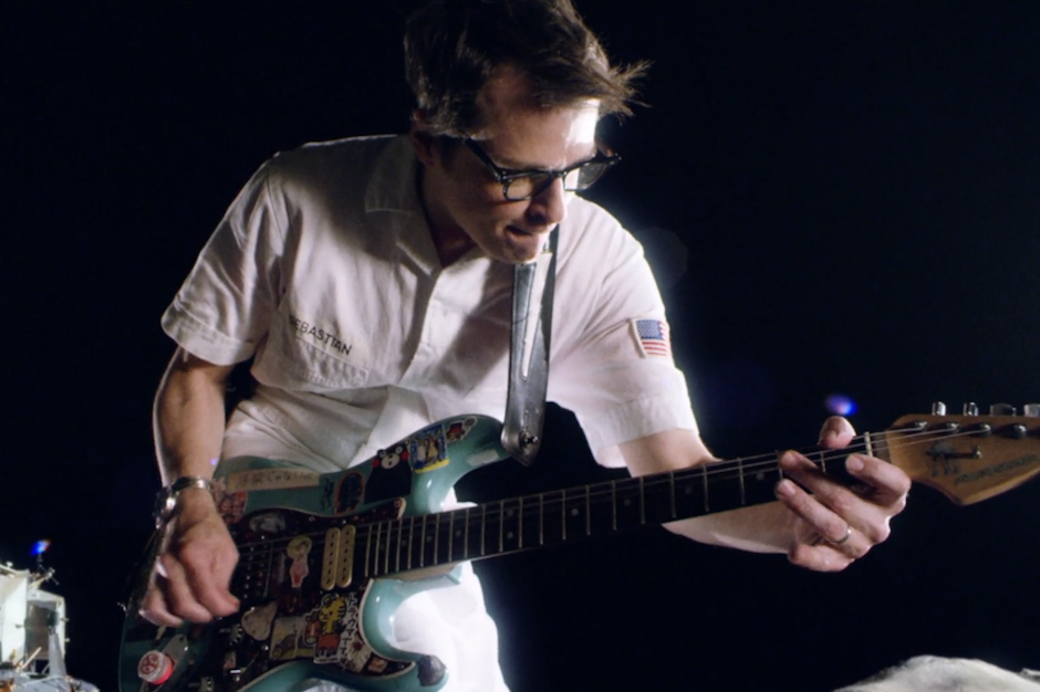 Weezer Back to the Shack Everything Will Be Alright in the End Video