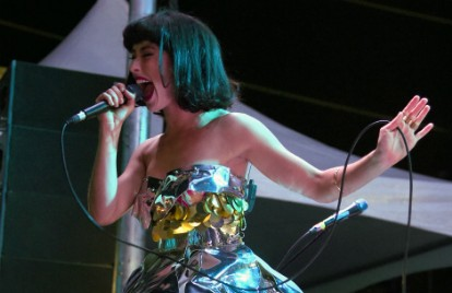 Listening to '90s Music with '90s Music' Singer Kimbra