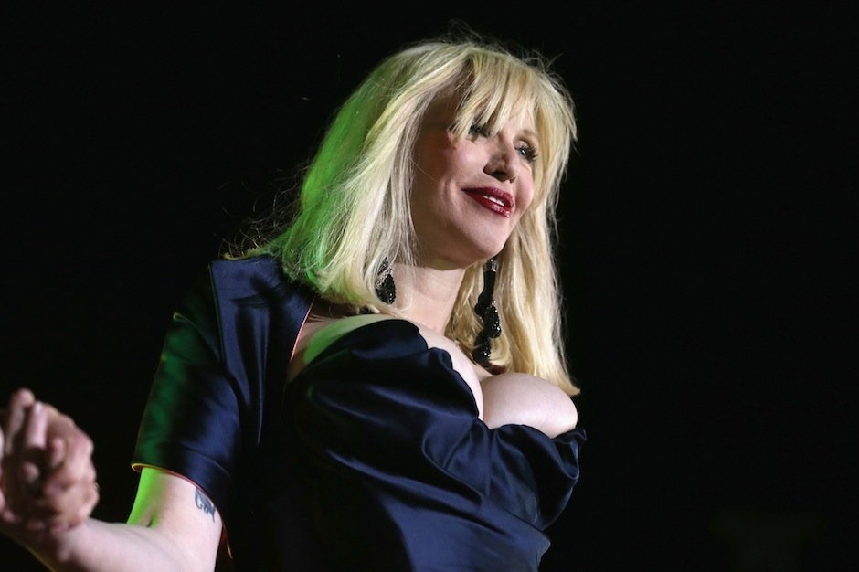 hole courtney love boob