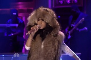 Nicki Minaj Shows Jimmy Fallon Her 'Bed of Lies'
