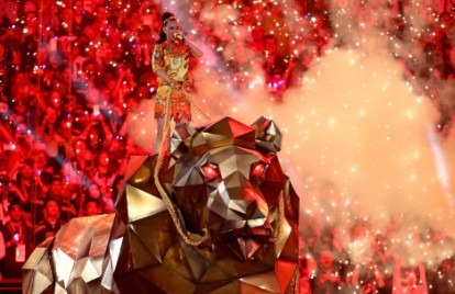 Watch Katy Perry's Earth-Stomping, Over the Top Super Bowl XLIX Halftime Show