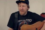 Doug Paisley Unplugs for Earnest, Acoustic Rendition of 'Wide Open Plain'