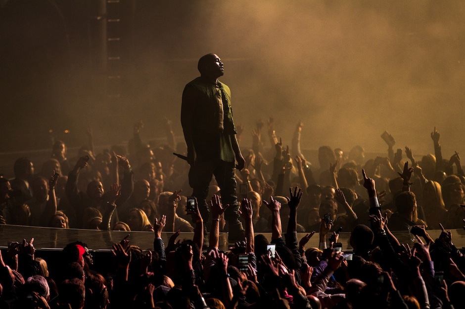 Kanye West Guests, Takes a Dig at Nike During Big Sean Show