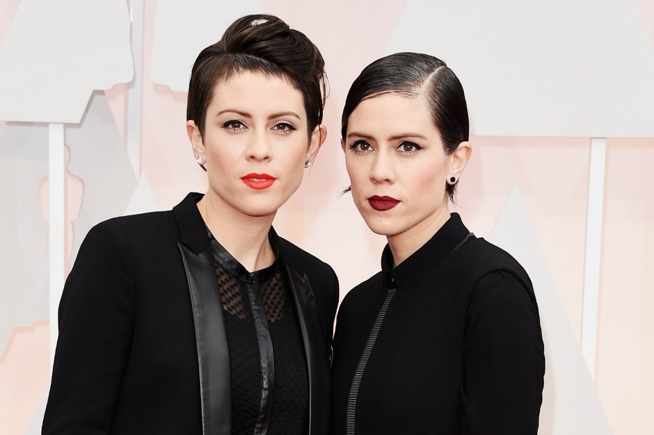 Watch Tegan and Sara and the Lonely Island Perform 'Everything Is Awesome' at the Oscars