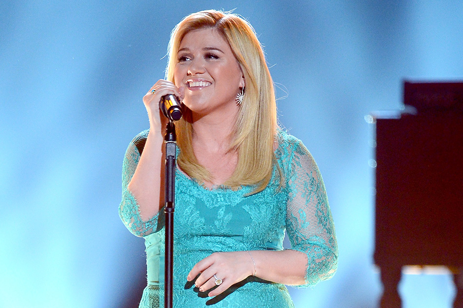 Kelly Clarkson Shares Two More Pieces of \'Piece by Piece\' | SPIN