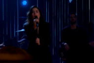Jessie Ware Gives Heartbreaking Performance of 'Say You Love Me' on 'Late Late Show'