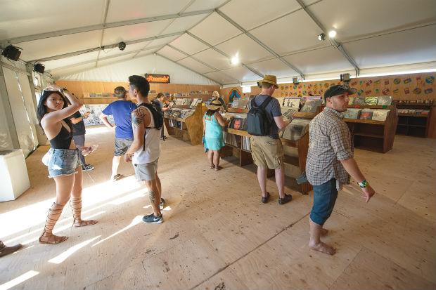 150412-coachella-2015-record-store