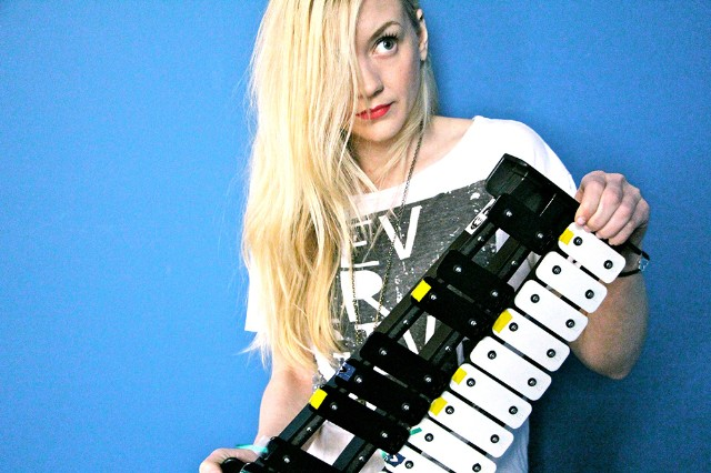 Emily-Kinney-This-Is-War